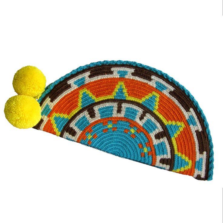 Feliz Abanico Wayuu Clutch. Handmade and Fair Trade Wayuu Clutches – LOMBIA & CO. | www.LombiaAndCo.com