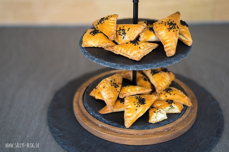 Sallys Blog - Knusprige gefüllte Dreiecke / türkische Teigtaschen