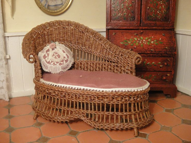 17 best images about chaise on pinterest baroque lounge for Antique wicker chaise lounge
