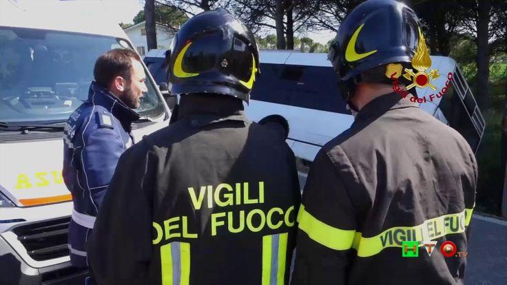 Vigili del Fuoco - Rimini - Intervento per incidente stradale bus di lin...