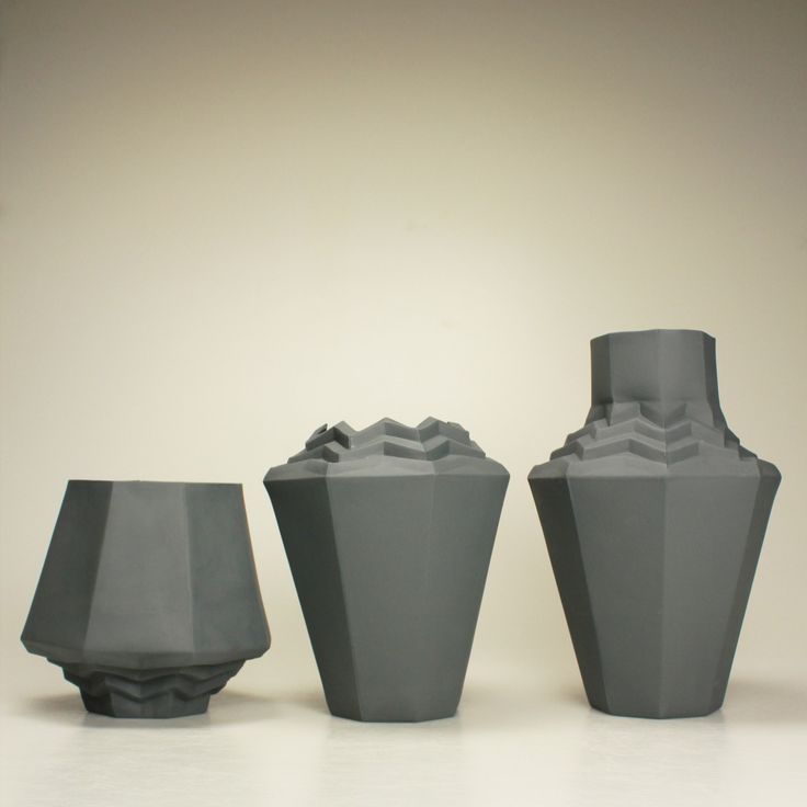 REPAP VASE black porcelain #BarboraŠimková #vase #vaseREPAP #BlackPorcelain #CernyPorcelan #váza REPAP #keramika #porcelán #ceramic #porcelain #design #czech #UJEP #FUD   Barbora Šimková http://barborasimkova.tumblr.com simkova24@gmail.com https://cz.pinterest.com/simkova24/barbora-šimková/