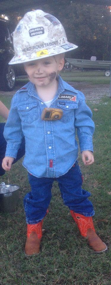 Oilfield trash Halloween costume! #cimarex