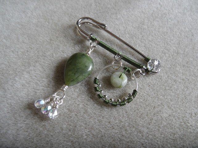 Green and silver kilt pin £6.50