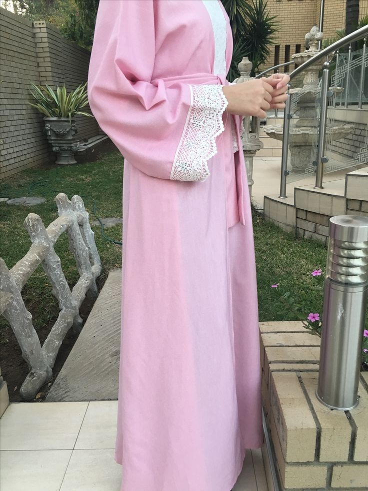 Pink linen/ thameen abayas throws bisht / white lace