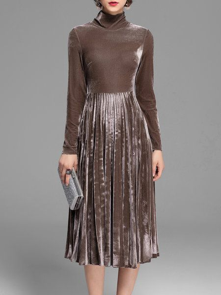 Elegant Velvet Solid Pleated Midi Dress