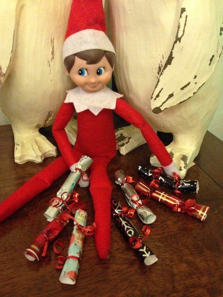 Christmas Elf On The Shelf Images.Elf On The Shelf Christmas Crackers Fill With Small Candy
