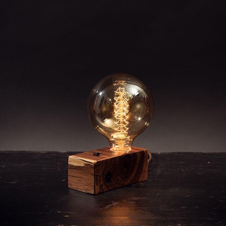 Giulia+Pokud+přemýšlíte+nad+tím,+jak+designově+obohatit+svůj+domov,+nebo+jak+navodit+tu+správnou+romantickou+atmosféru,+tak+zkuste+popřemýšlet+nad+světlem.+Prakticky+není+lepší+způsob+než+dekorativní+světlo+-+lampička.+Pečlivá+práce,+jedinečný+a+neopakovatelný+design,+který+se+neokouká+ani+po+letech+zaručeně+doplní+to,+co+jste+tak+dlouho+hledali+a+možná+ještě...