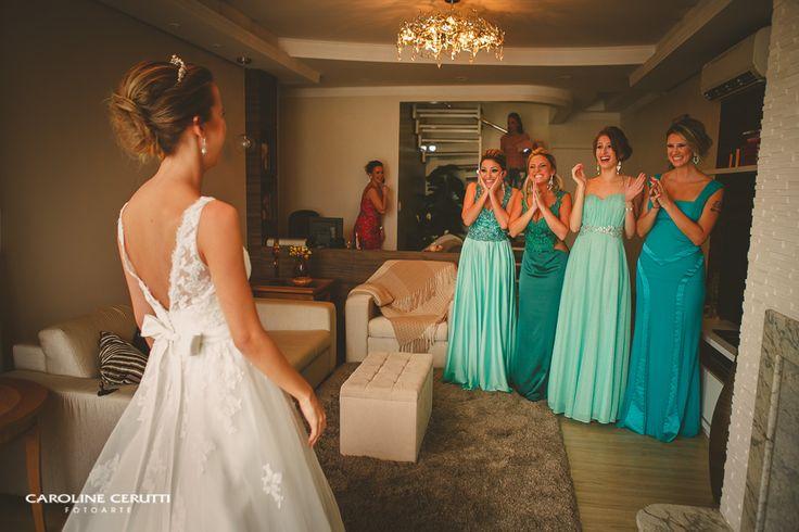 Surpresa da noiva para as madrinhas Madrinhas tons diferentes, verde menta…