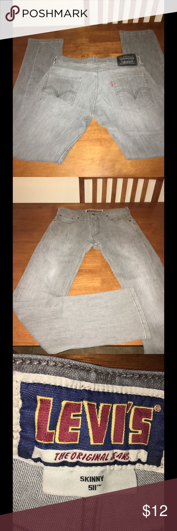 Mens Levis 511 Skinny Grey Jeans 30x30 Light grey men's jeans.  Levis 512 skinny style. Size 30x30.  Great condition.   Important:   All items are freshly laundered as applicable prior to shipping (new items and shoes excluded).  Not all my items are from pet/smoke free homes.  Price is reduced to reflect this!   Thank you for looking! Levi's Jeans Skinny