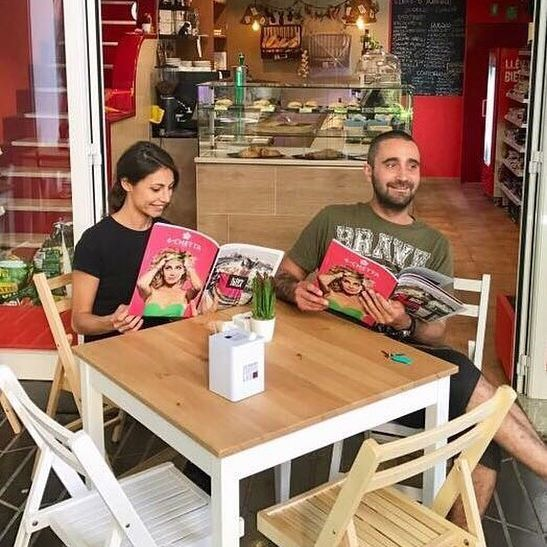Aterrizamos en #Ibiza con El Puerto Ibiza Magazine 🛬    Todos los modelos en www.4-chetta.es 🛍🛒 ——————————————————————  #4chettaspain #elpuertoibiza #magazine #elpuertoibizamagazine  #jewels #joyas #elegancia #pulseras #brazalete #bracelet #handmade #madeinitaly #luxuryhandmade #bcn #ibiza #formentera #sitges #italia #spain #swarovski #swarovskielements #tenedor #accesorios #womenstyle #island #ibizaisland #whiteisland #eivissa