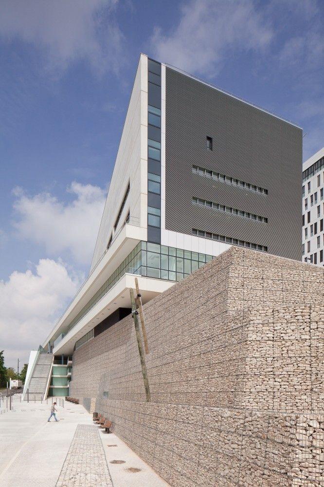 Hospital in Villeneuve Saint Georges, France by Atelier d'architecture Michel Rémon