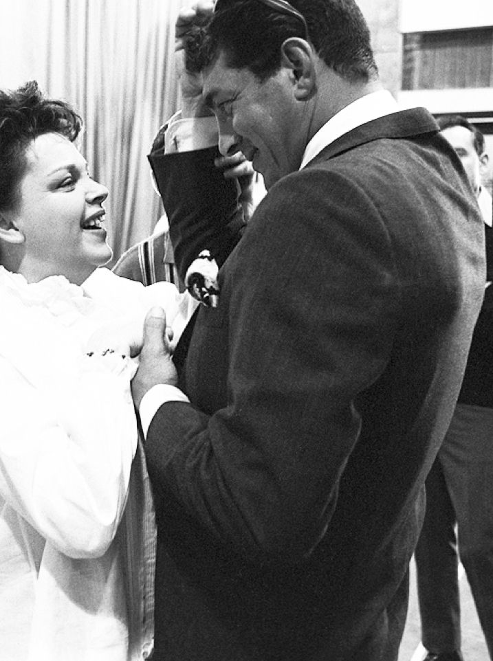 Judy Garland and Dean Martin on the set of The Judy Garland Show in 1962.