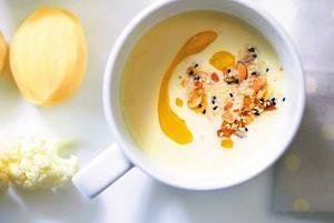 Zupa z białych warzyw z oliwą truflową