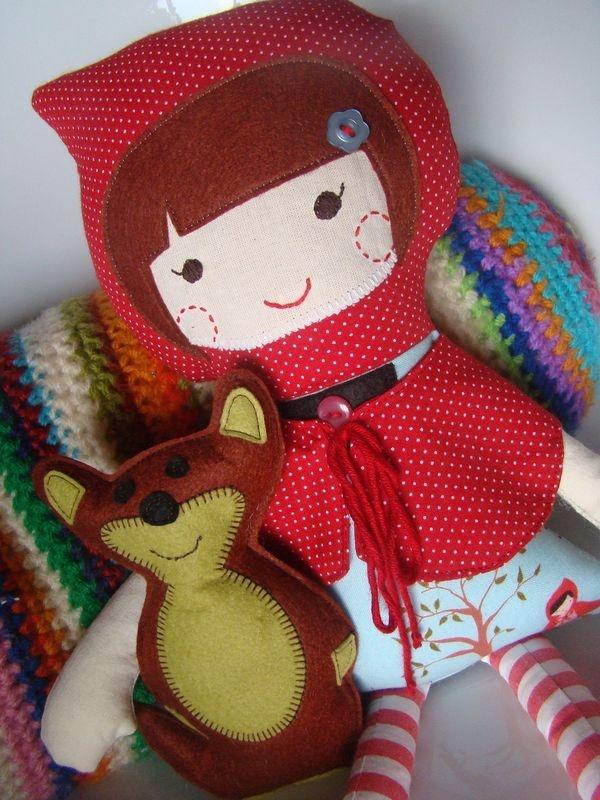 Red (boneca de pano) by ana sinhana