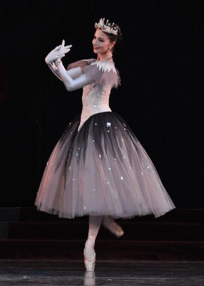 Lauren Cuthbertson http://theworlddances.com/ #ballet #dance