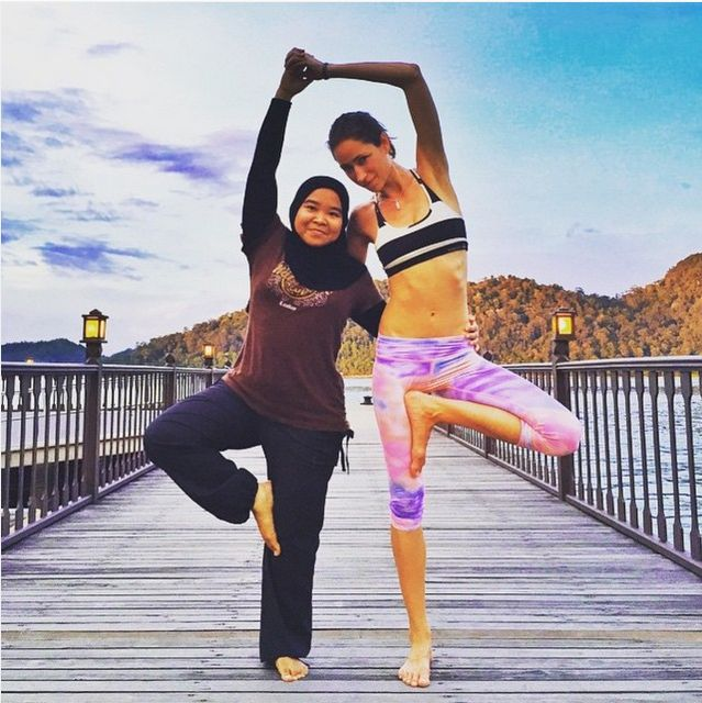 21 Badass Yogis Around The World (Happy International Day Of Yoga!) - mindbodygreen.com