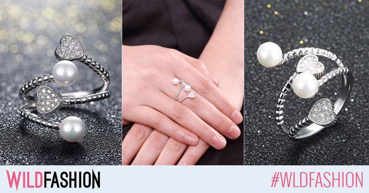 Acest inel din argint are o aroma de dragoste si de primavara...