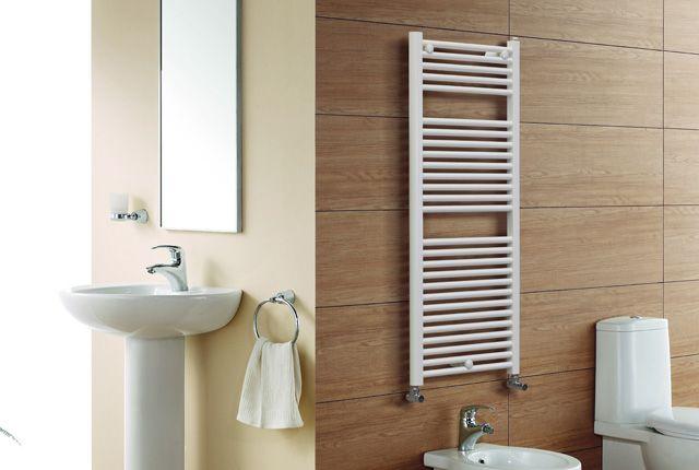 basic - Armonia perfetta tra forma e bellezza. Basic è lo scaldasalviette dallo stile eterno, sobrio e lineare, adattabile in ogni tipologia di bagno.