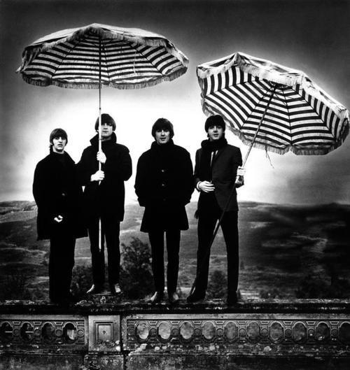 BeatlesGeorge Harrison, The Beatles, Robert Whitaker, Thebeatles, The Artists, Paul Mccartney, Black White, Photos Shoots, John Lennon