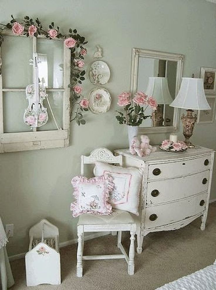 Adorable 40 Shabby Chic Bedroom Decoration Ideas https://livinking.com/2017/08/21/40-shabby-chic-bedroom-decoration-ideas/