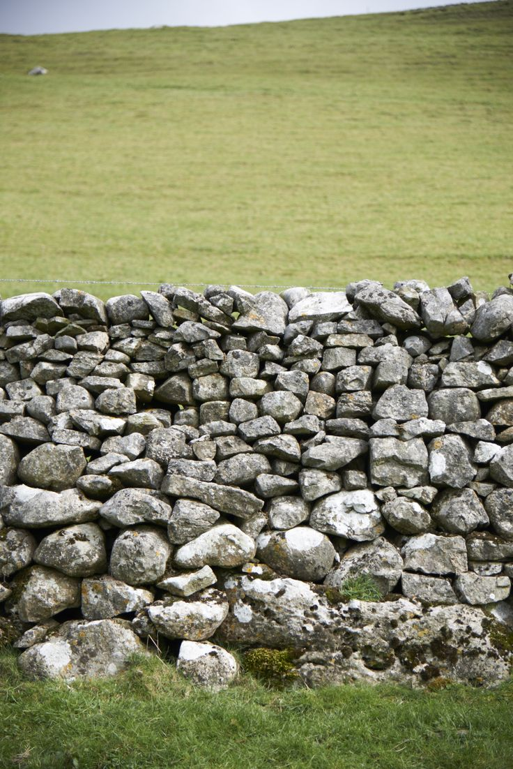 Dry Stone Wall, Yorkshire built by Ann Stewart