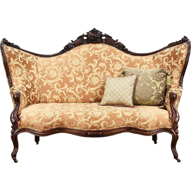 25 Best Ideas About Antique Sofa On Pinterest Antique Couch Vintage Sofa And Settees