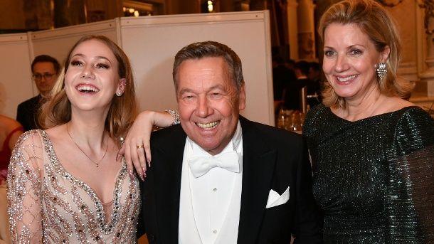 Roland Kaiser Zeigt Sich Mit Seinen Kindern Fischer Hochzeit Anja Schute Kaiser