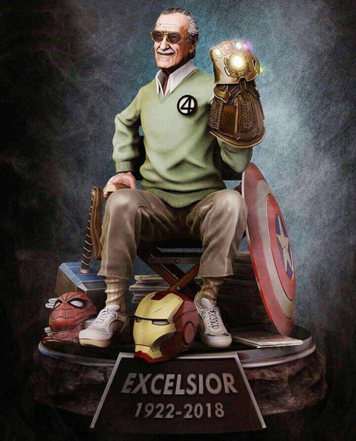 Excelsior Stan Lee Statue