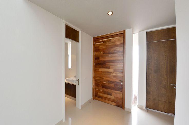 Puerta principal parota projects pinterest puertas for Diseno puerta principal