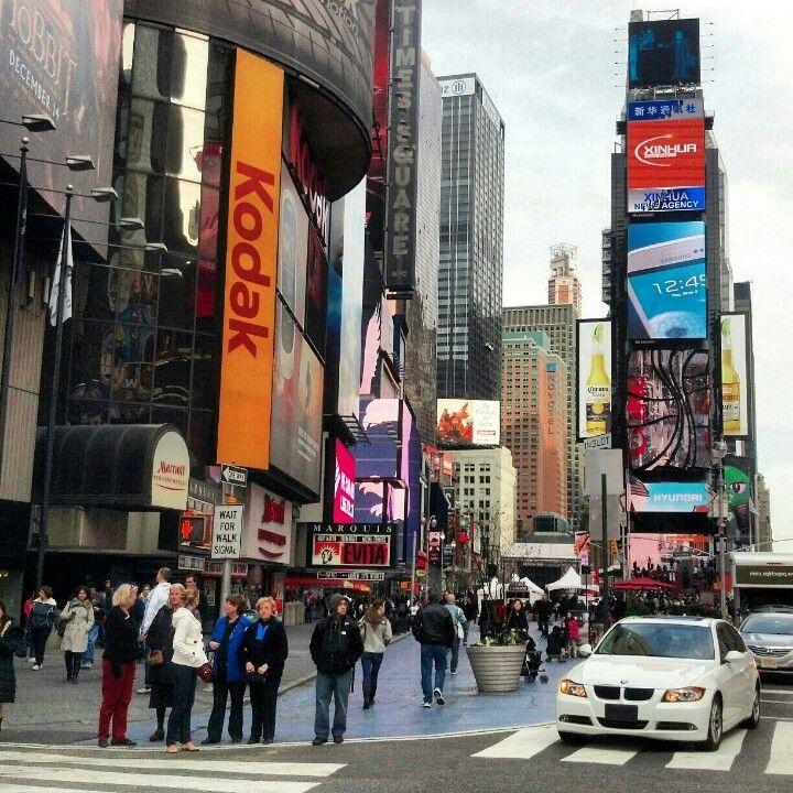 42nd Street in New York, NY | 42nd Street Manhattan in ...