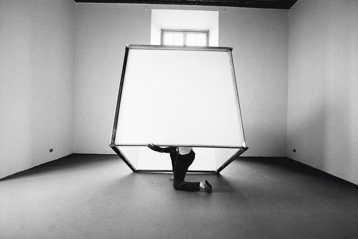 Luciano Fabro - In cubo [In Cube] - 1966 - © Giorgio Colombo