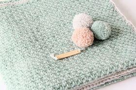 Deken moss stitch. Leuk voor mijn dochter die is gek op pastel!