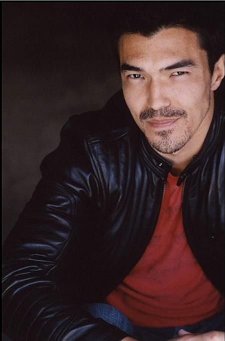 Ian Anthony Dale as Nightwielder from Steelheart