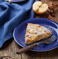 Συνδυασμός απαλού και αφράτου κέικ με την επίγευση του μελιού και την ευγενική υφή του μήλου που λιώνει στο στόμα