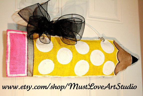 How to make burlap door signs.  She shows for school, but can apply to other shapes.