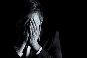 Crise d'angoisse - Causes, symptômes et traitement - Santé-Médecine