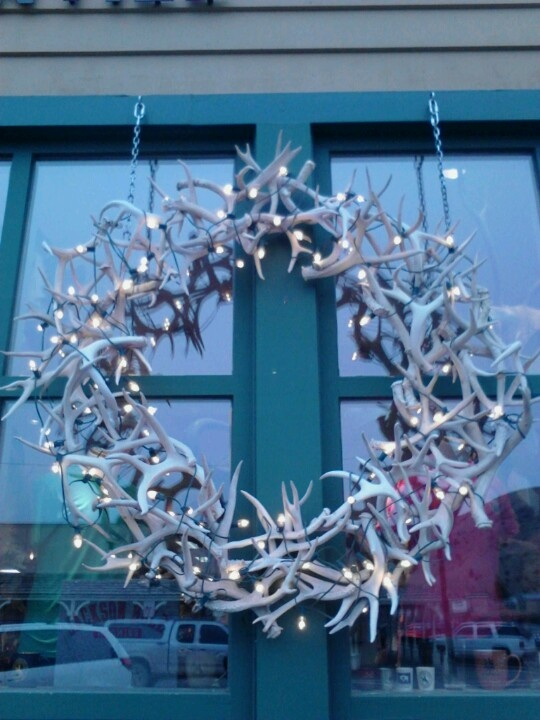 83 best images about antler wreath on pinterest for Antler christmas wreath