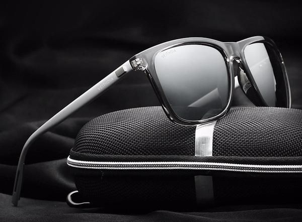 Retro Wayfarer Sunglasses - Polarized