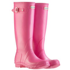 Hunter Original Wellies - Fuschia Pink I am a country girl. Wellies are very much a part of life.