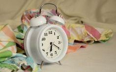 Alzarvi presto la Mattina Ecco 8 Consigli per Riuscirci. Non riuscite ad alzarvi presto la mattina? Ecco 8 consigli per riuscirci Anche voi siete tra quelli per i quali svegliarsi presto la mattina è un dramma, che sentono la sveglia, ma non si muovono, p #mattina #salute #alimentazione