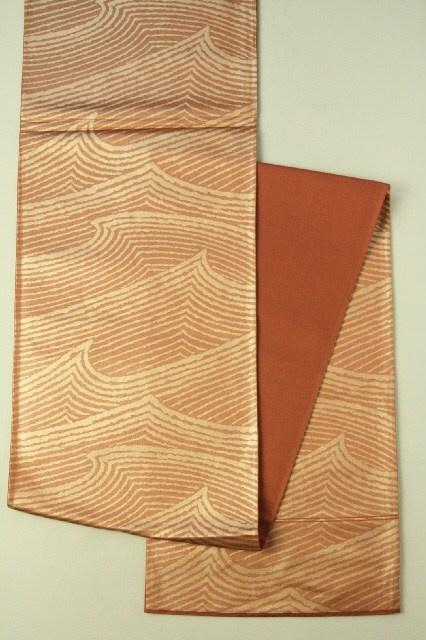 Red Brown and Gold Fukuro Obi (Rokutsu), Sea Waver Pattern / 紅海老茶×金地 波のような抽象線柄 六通袋帯   #Kimono #Japan http://www.rakuten.co.jp/aiyama/
