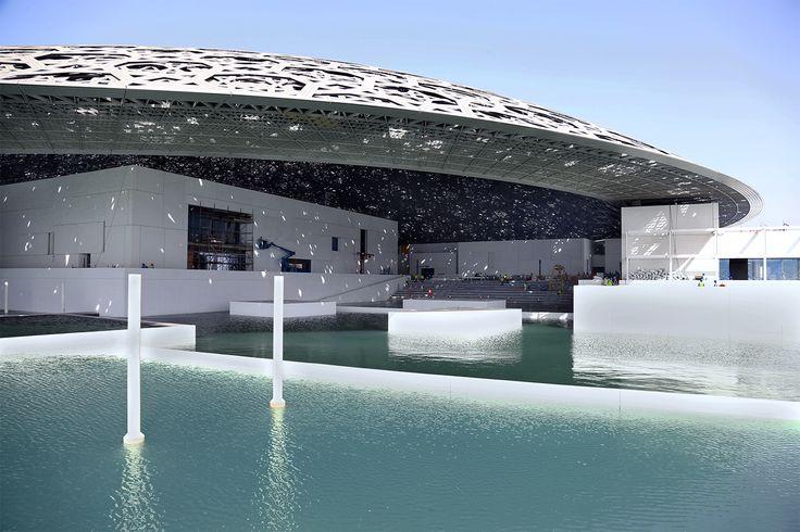 Este timelapse muestra cómo el Louvre Abu Dhabi finalmente se encuentra con el mar,Cortesía de Tourism Development & Investment Company