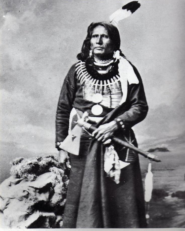 """Standing Bear (1834 - 1908) (Páⁿka iyé: Maⁿchú-Naⁿzhíⁿ/Macunajin; other spellings: Ma-chú-nu-zhe, Ma-chú-na-zhe or Mantcunanjin pronounced [mãtʃuꜜnãʒĩꜜ]) was a Ponca Native American chief who successfully argued in U.S. District Court in 1879 in Omaha that Native Americans are """"persons within the meaning of the law"""" and have the right of habeas corpus. His wife Susette Primeau was also a signatory on the 1879 writ that initiated the famous court case."""