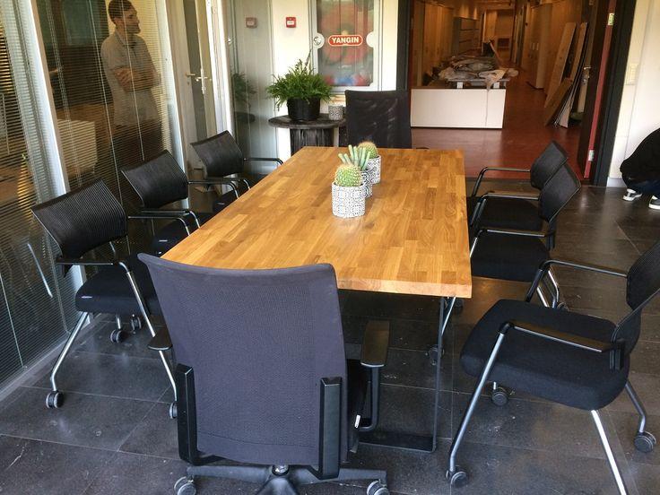 İTÜ rektörlük binası, toplantı masası