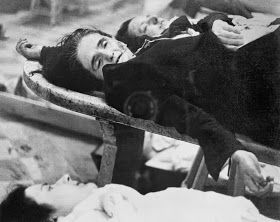 Valencia. Victimas de bombardeos. Guerra civil española.  matgine - bloc dedicat a la imaginació: Fotògrafs amb història: Gerda Taro (1910-1937) 3/3