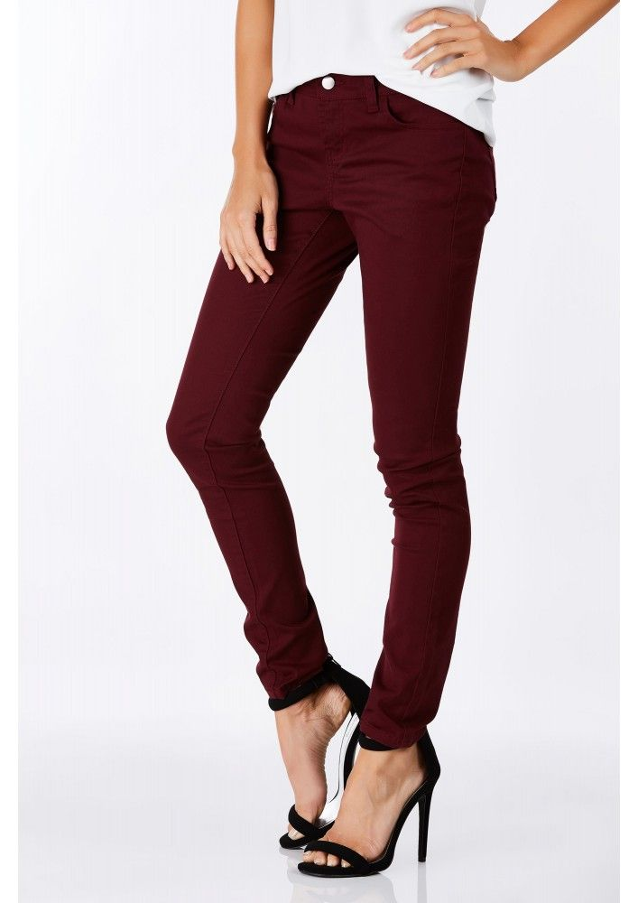 The perfect pair of skinny jeans. These jeans have an amazing wash throughout with a skinny fit. ...