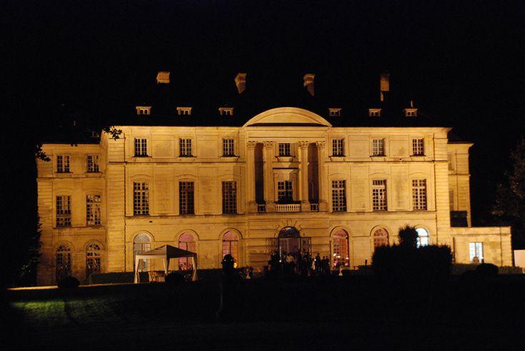chateau de montgobert - façade côté parc