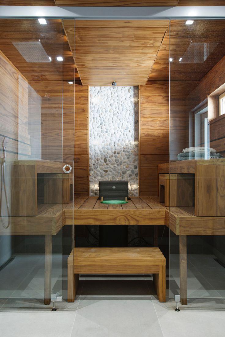 Finland: a modern home sauna. ◇ MEILLÄ KOTONA SUOSITTELEE Kohde 13.