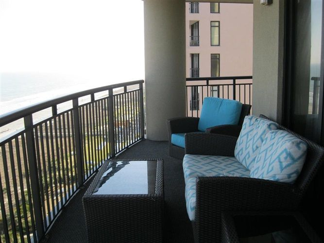 """Three-Bedroom Three-Bath Ocean Front Condo in Myrtle Beach Description South Wind on the Ocean is a lavish oceanfront full resort located along a pristine stretch of beachfront along the """"Golden Mile"""" of Myrtle Beach, named for its multi-million dollar homes. This fabulous 1700 square foot property is located on the 11th floor and sleeps 10 …"""