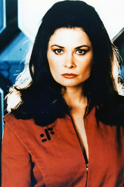 Diana (Jane Badler) V
